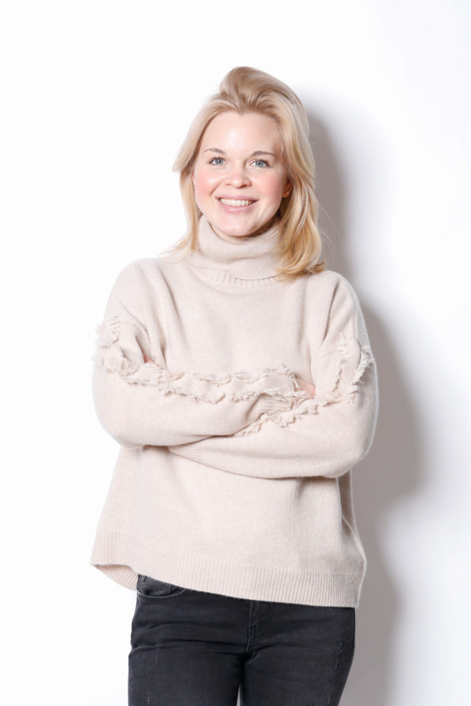 Claudia Obert Online Shopping Cashmere Nov 2 2020 66
